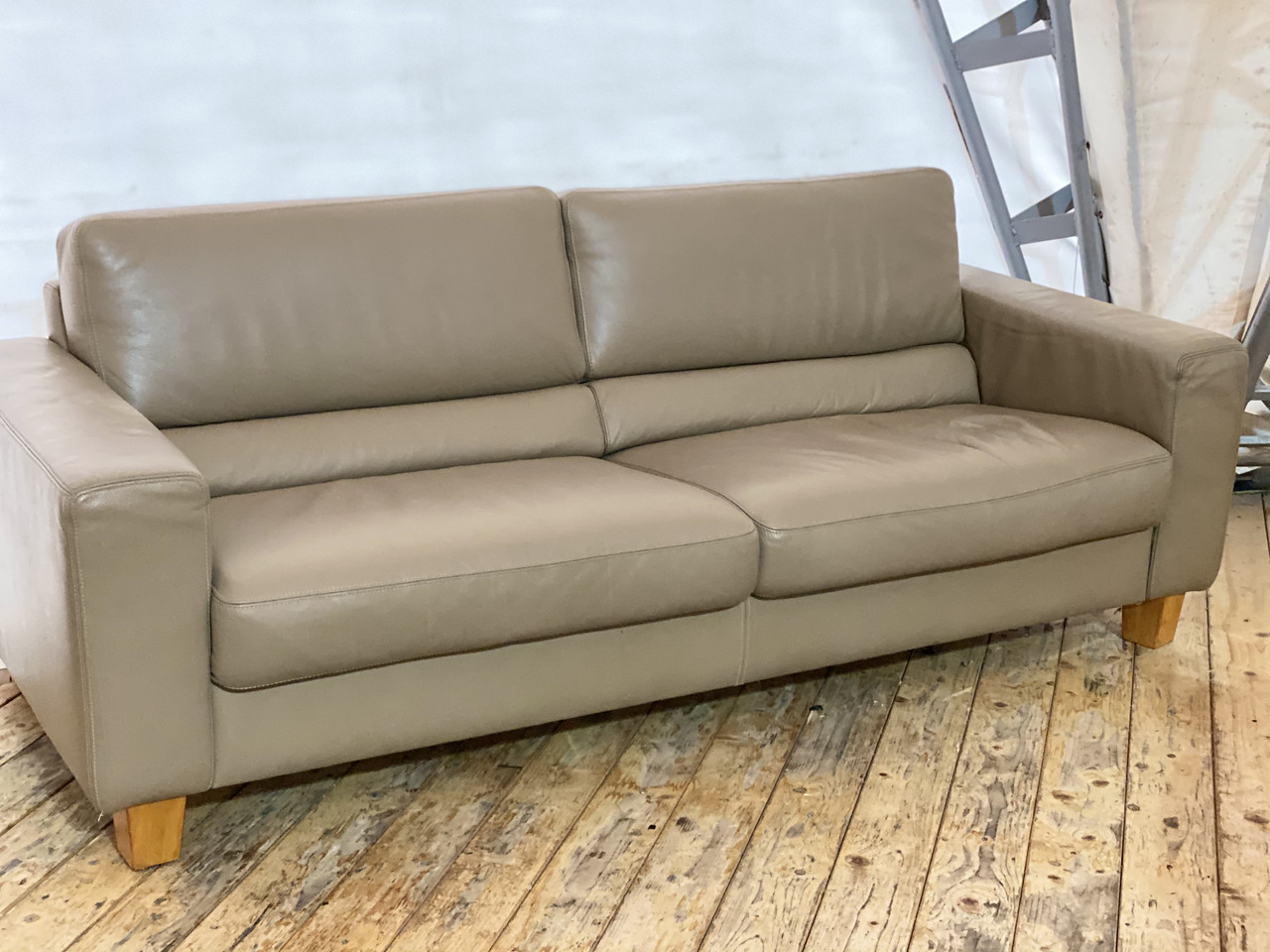 Шкіряний тримісний диван з Німеччини «Ніагара»