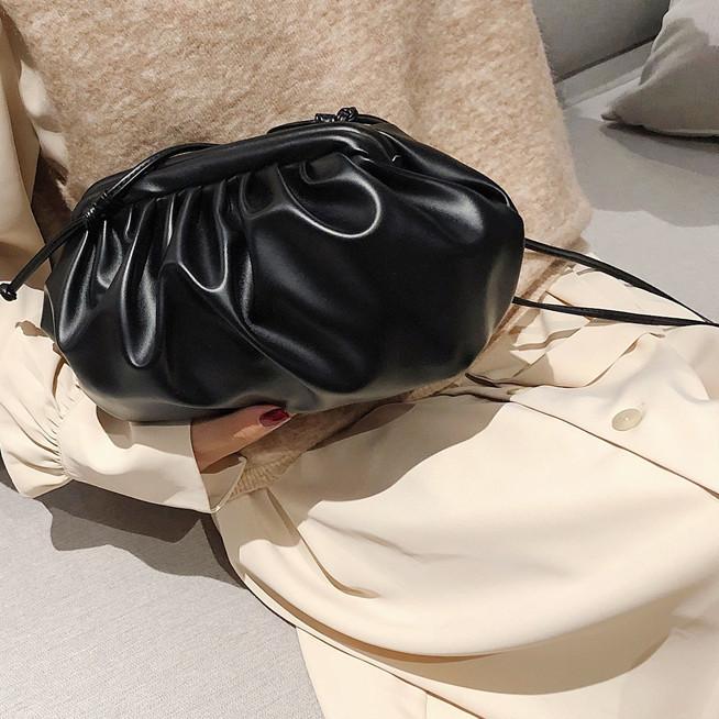 Сумка Pouch (облако пельмень), клатч Bottega черный, Тренд 2021 СС-3651-10