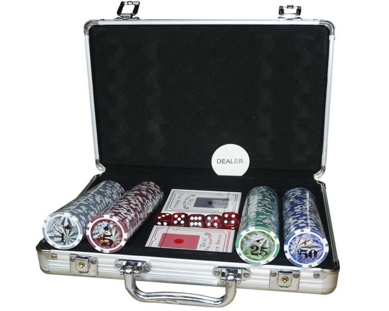 Покерний набір на 200 фішок в кейсі з номіналом.