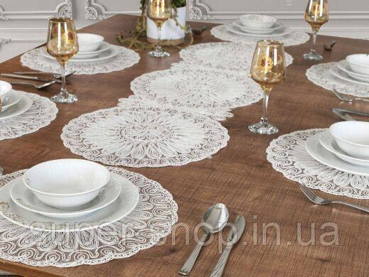 Раннер с ажурными текстильными салфетками на стол узкая скатерть дорожка на стол из полиэстера