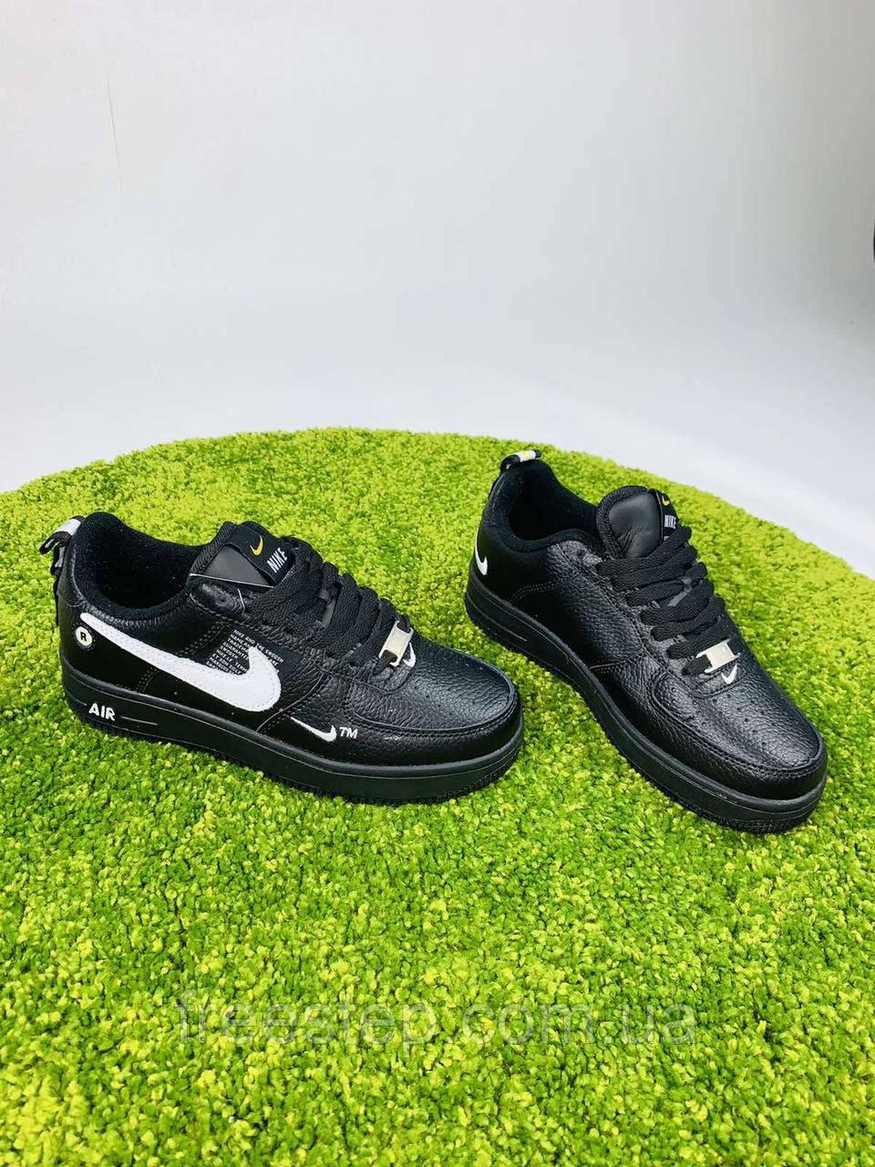 Женские  кроссовки в стиле Nike Air Force LV8 чёрные с белым