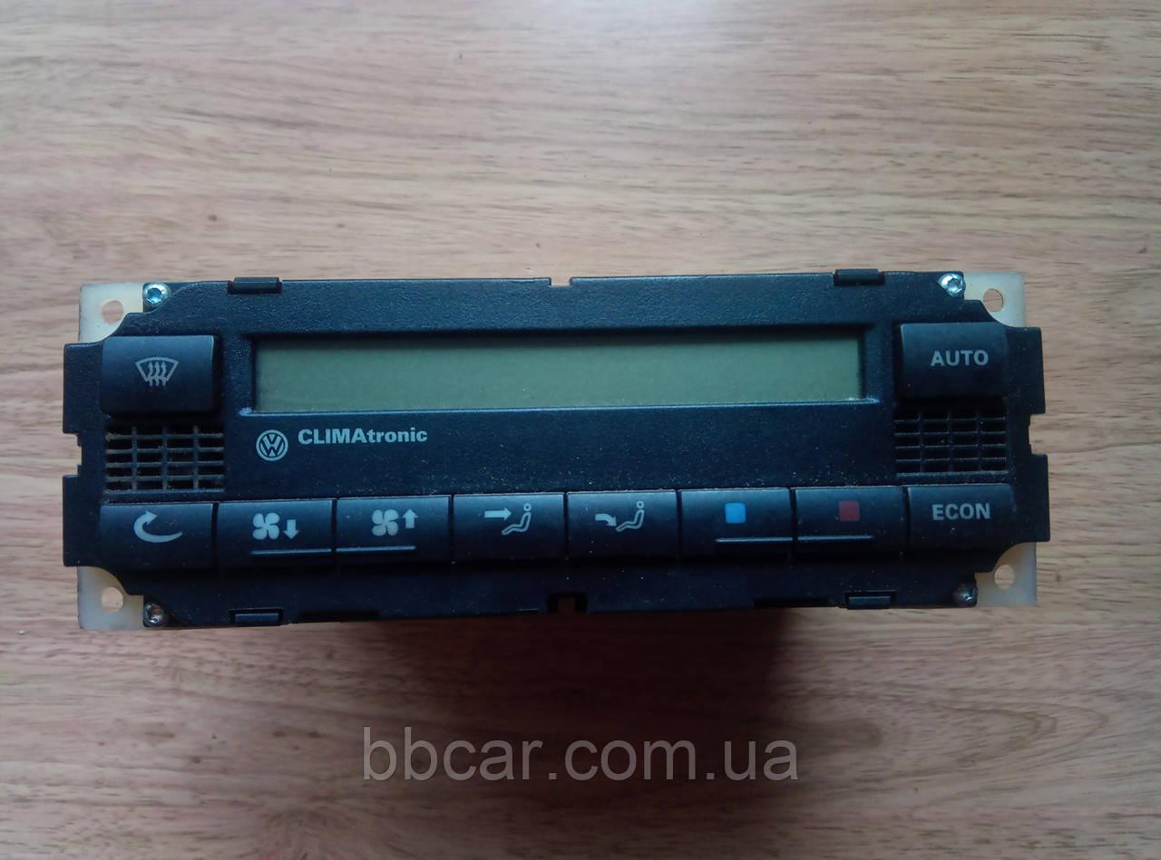 - Блок управління клімат контролем Volkswagen Passat B5 Hella 3B1 907 044 A , 5HB 007 617-02