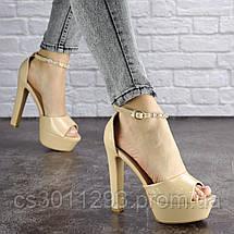 Женские стильные босоножки на каблуке Fashion Rosebud 1124 37 размер 24 см Бежевый, фото 3