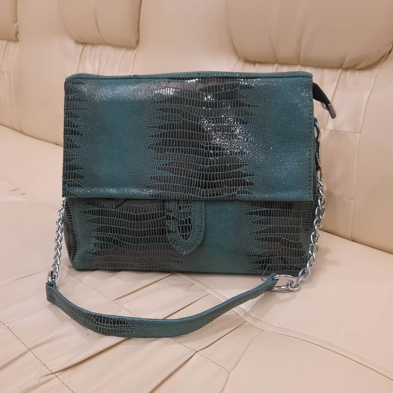 Городская женская сумочка Green из стильной лазерной натуральной кожи