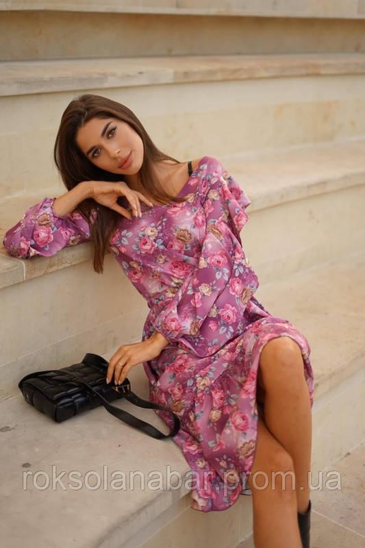Сукня з квітковим принтом бордового кольору