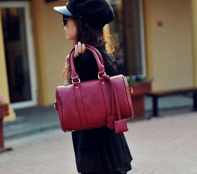 Девушка с сумкой Hot Cat | Red