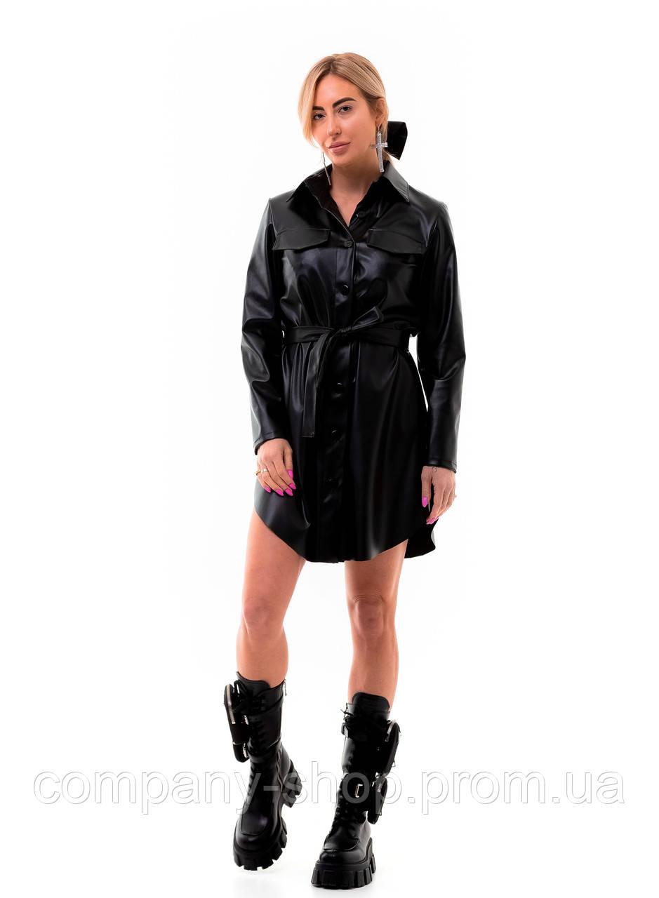 Женское платье рубашка из эко кожи.