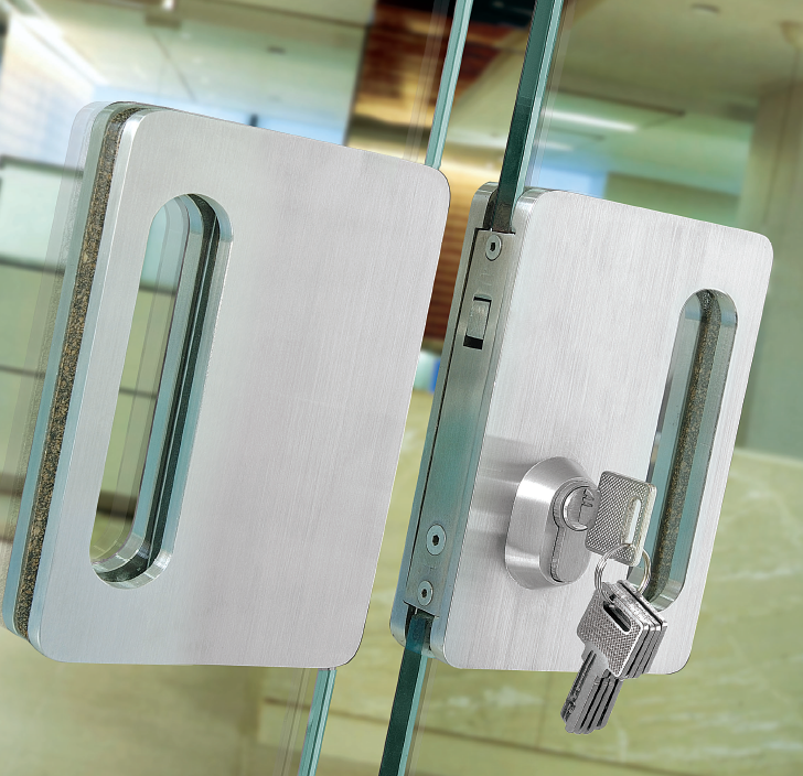Уплотнительная резинка для дверей под П-обрызный профиль (ЧЕРНАЯ) (ЕЛОЧКА)