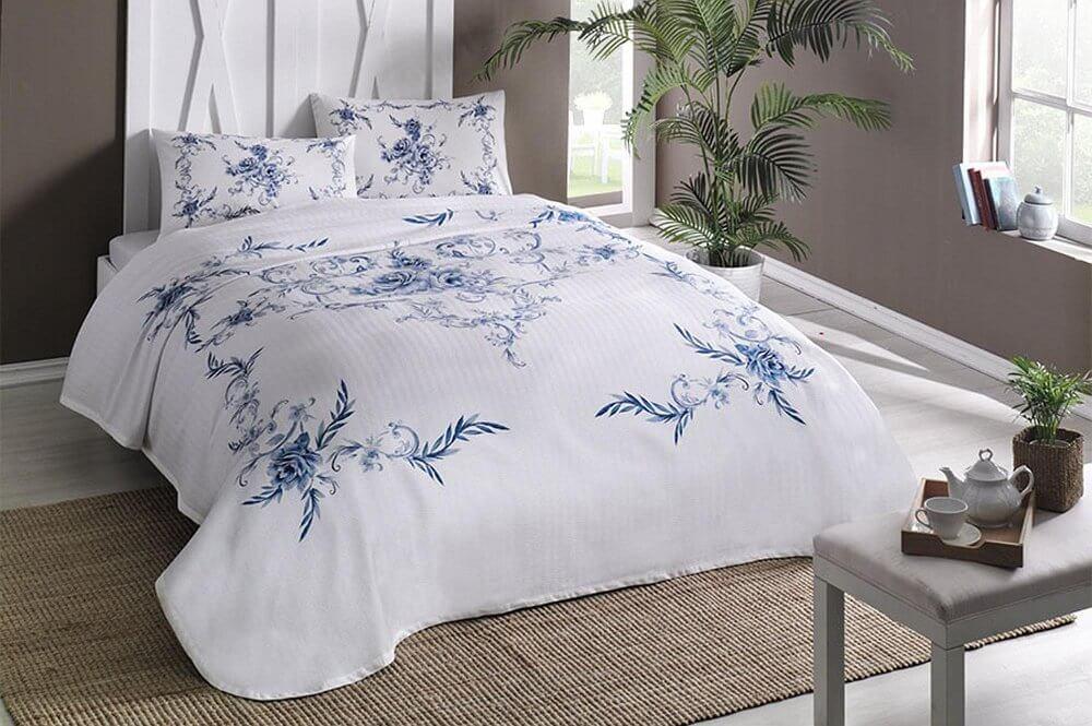 Комплект постельного белья с покрывалом-пике TAC Lavinia Blue полуторный / простынь на резинке