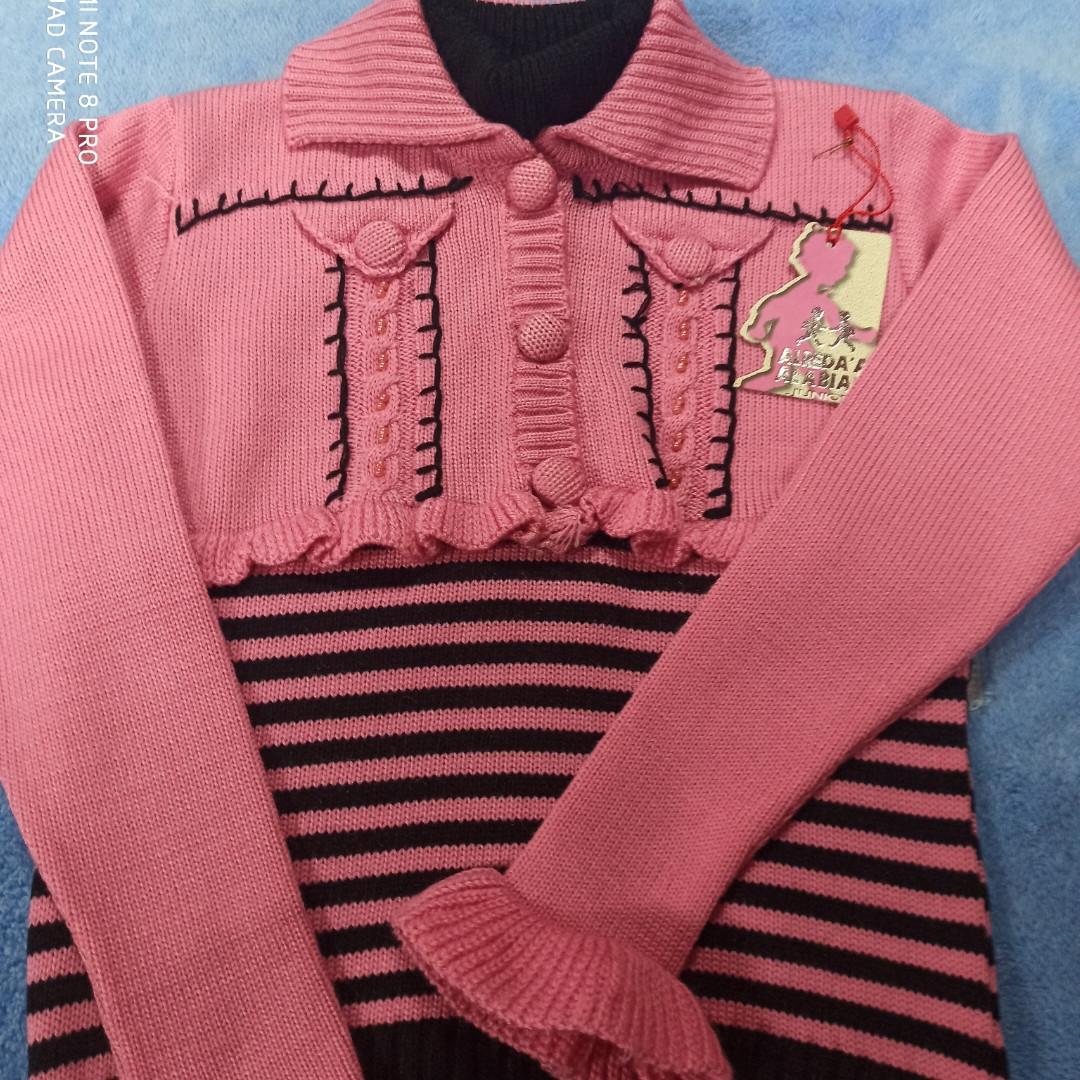 Свитер модный красивый нарядный оригинальный для девочки.