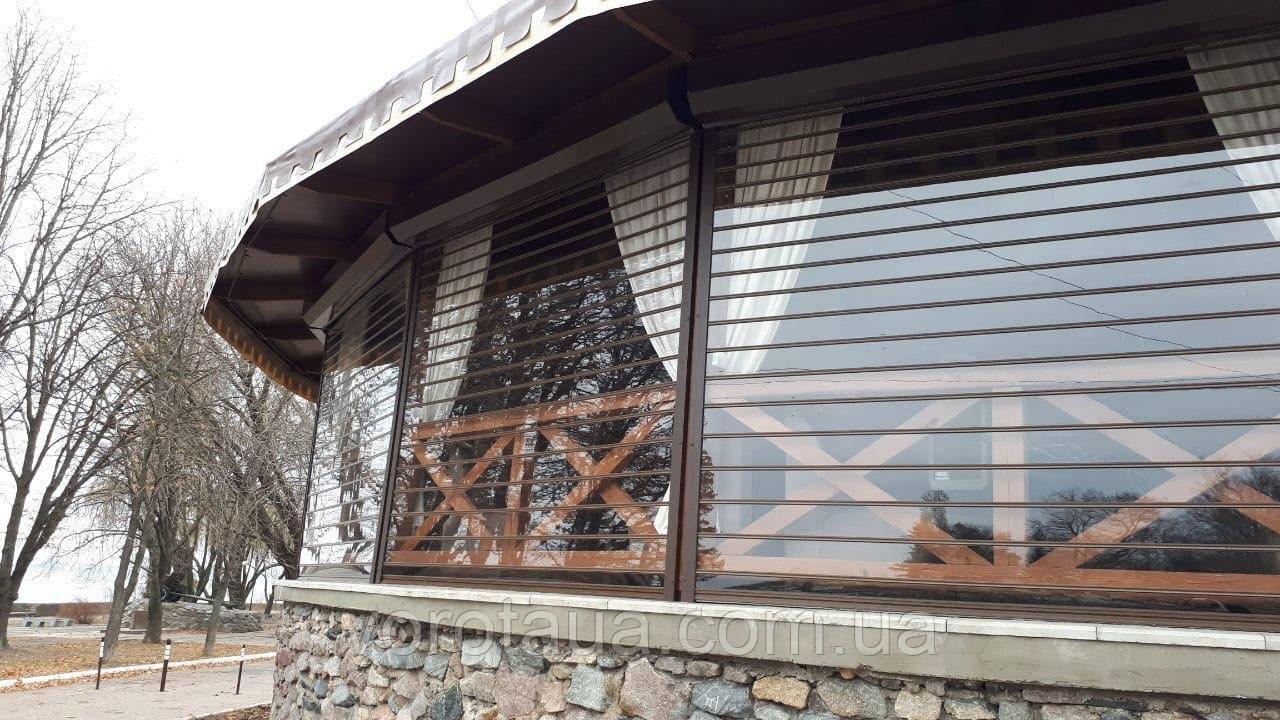 Прозрачные рольставни из поликарбоната для террасы