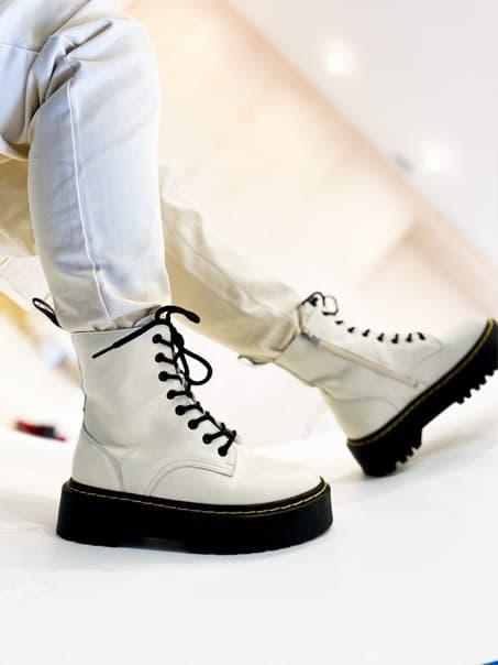 Женские ботинки Dr. Martens Jadon II White Black (Premium) из мягкой кожи