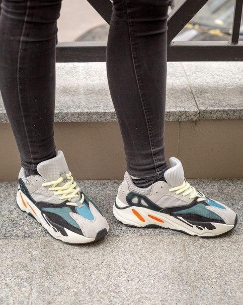 Кроссовки женские Adidas Yeezy 700 из замша и текстиля