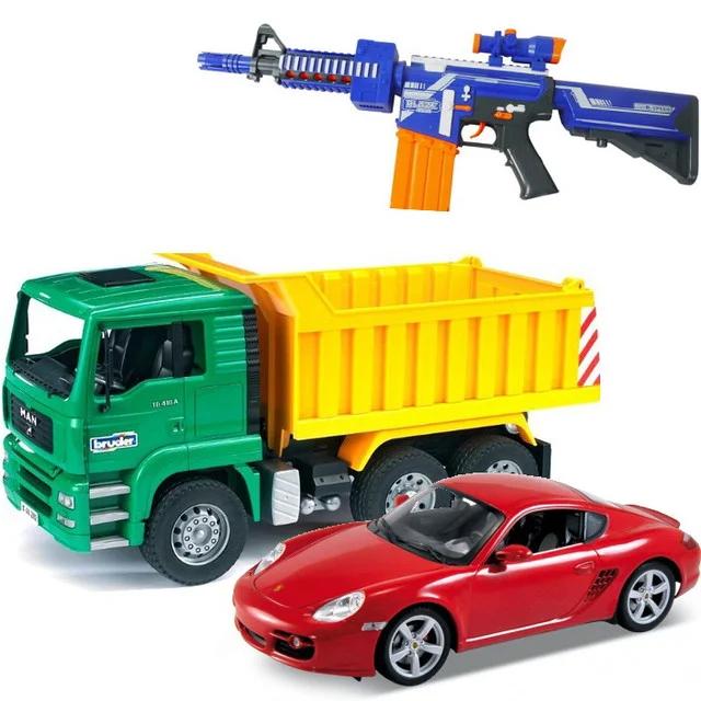 Машинки, моделі техніки і зброя