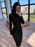 Женское сияющее платье черное по фигуре