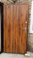 Металлические двери с отделкой