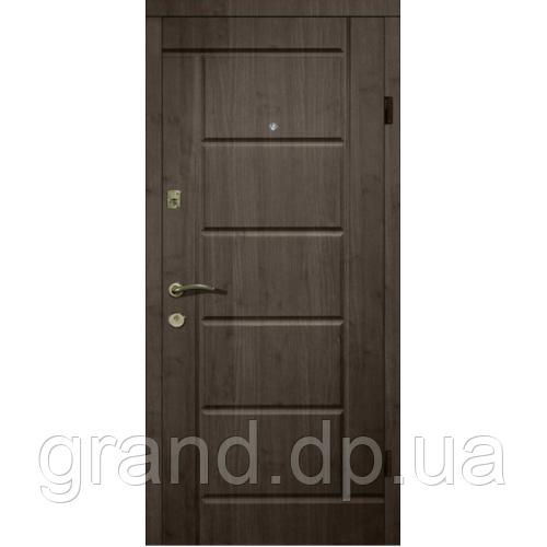Двери металлические входные уличные Магда 116/2 венге южный