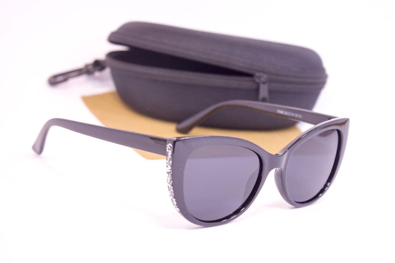 Солнцезащитные очки с футляром F0962-1