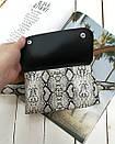 Поясная сумка-конвертик со змеиным принтом черная, фото 4