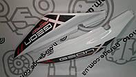 Пластик под сиденье Geon X-Road Light 200/250 (Комплект белый с серо красной наклейкой)