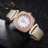 Женские часы Hear Stars золотистые 119-3, фото 2