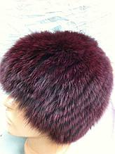 Меховая шапка из песца бордового  цвета на вязанной  основе