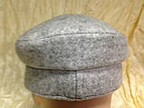 Картуз из драпа светло серого цвета с ремешком и козырьком и кожи 55-56 см, фото 3