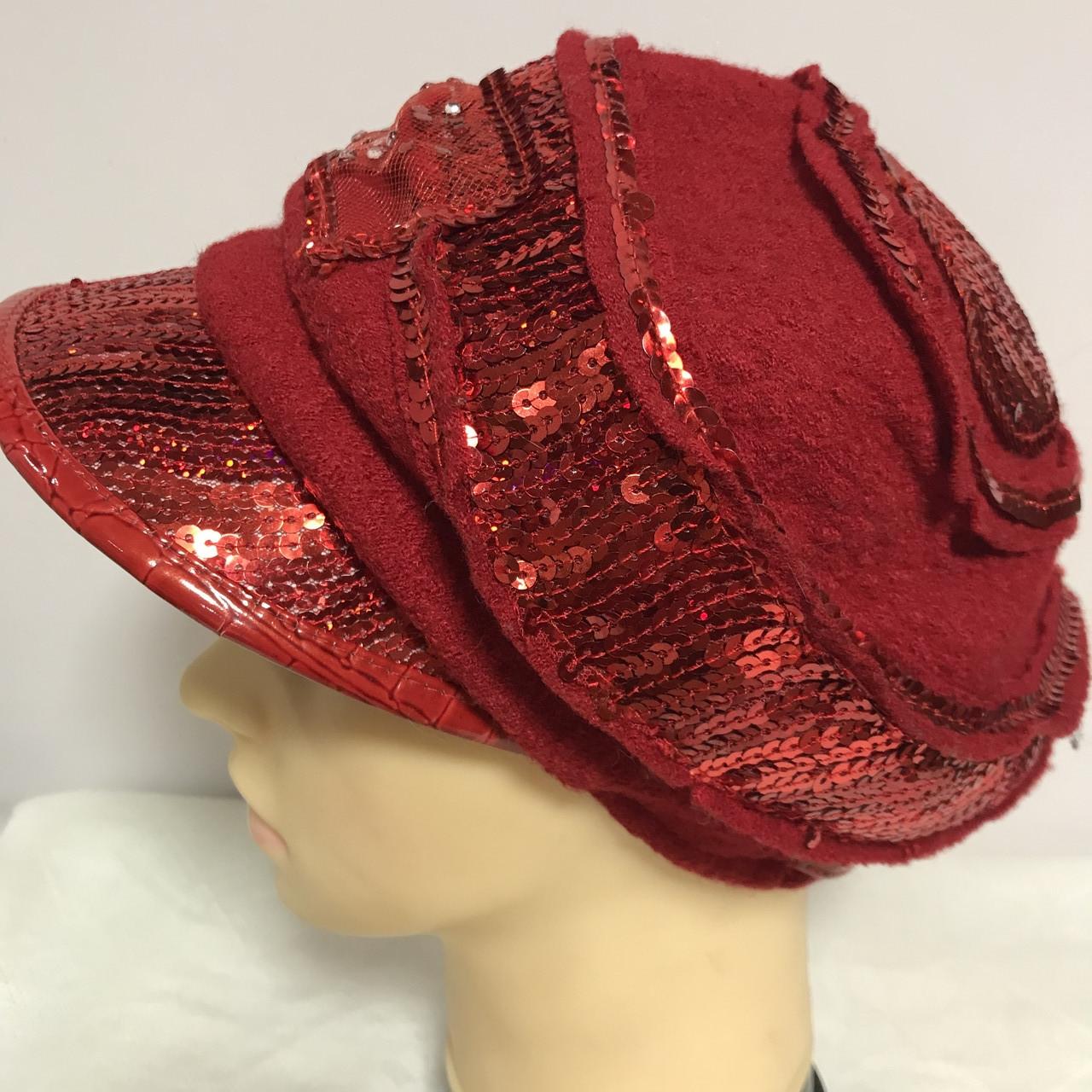 Картуз шерстянной красного цвета с  пайетками  55-57