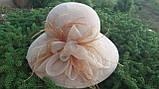 Шляпа с большими  полями  цветком и перьями поля 10.5 см, фото 4