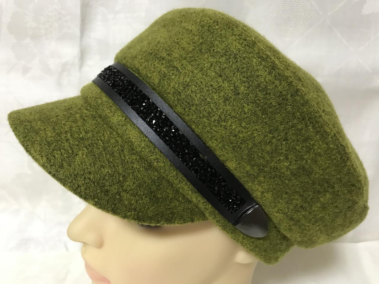 Картуз кепка женская с хлястиком из камней горчичного цвета