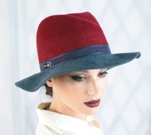 Шляпа из фетра мужского стиля цвет бордовый с серым