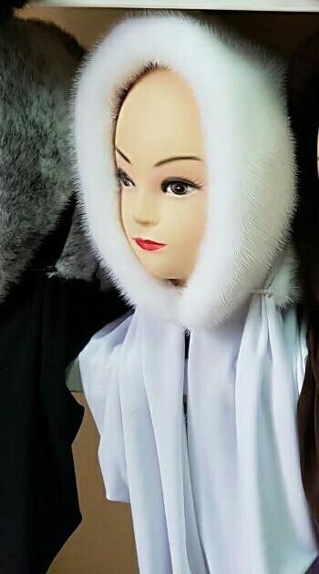 Женская косынка  из натуральной норки  белая