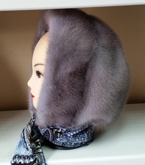 Меховая косынка капюшон из норки цвет сапфир на однотонной ткани
