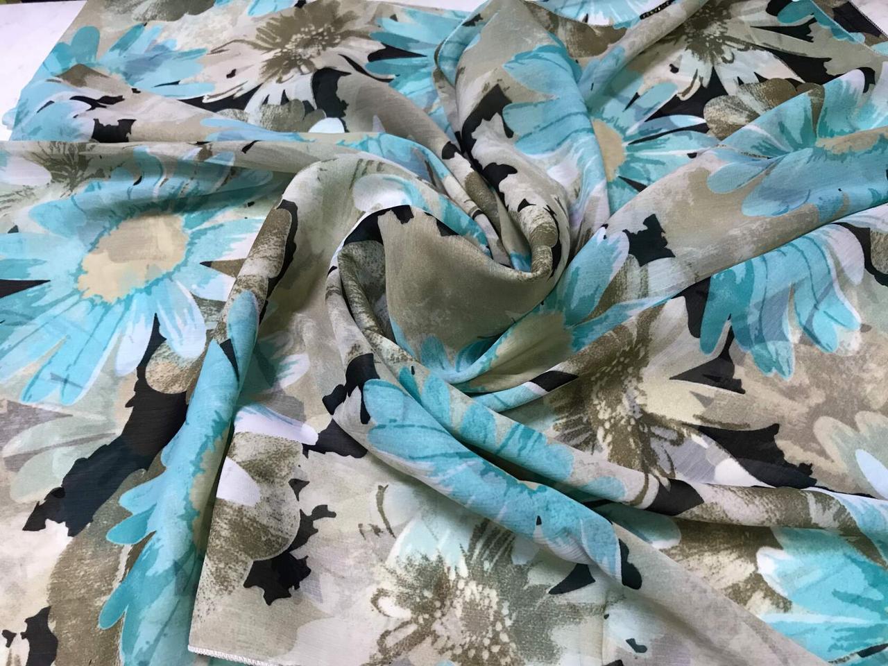 Женский шарф-палантин шифон  174х75 см  с голубыми ромашками
