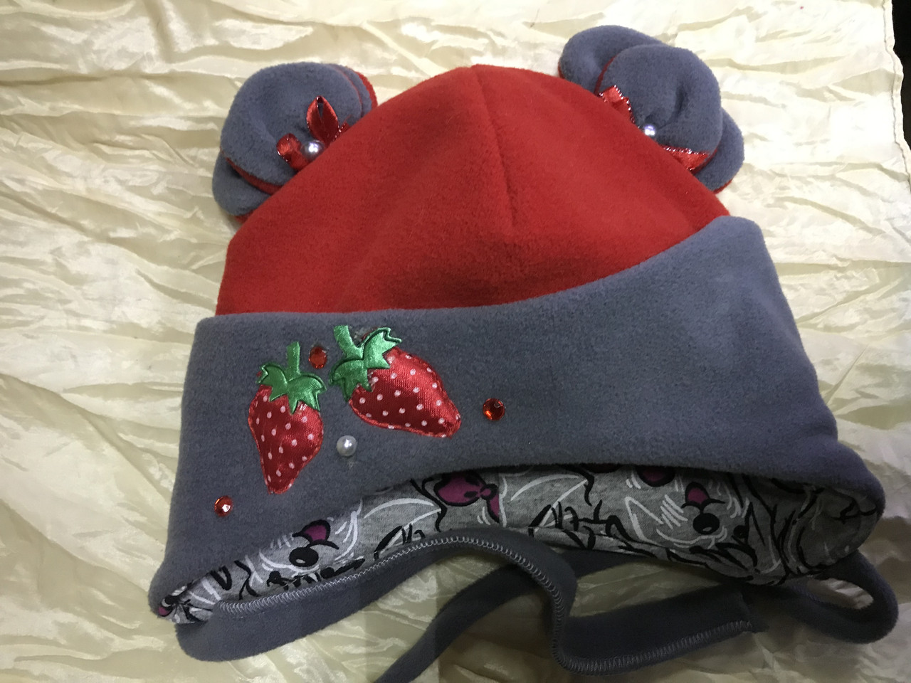 Красная с серым  шапочка с ушками для девочек от пол года до 2 лет