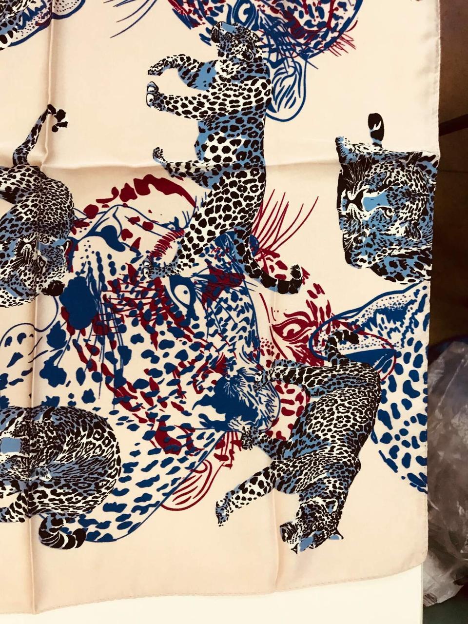 Шейный платок с добавкой натурального шёлка  цвет пудра и молочный с рисунком