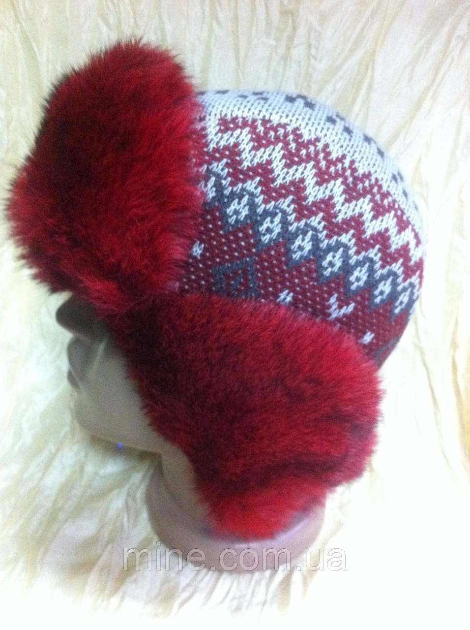 Женская ушанка с мехом кролика красного цвета
