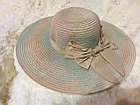 Летняя шляпка из соломки тёмно бежевая с разноцветными переходами, фото 2