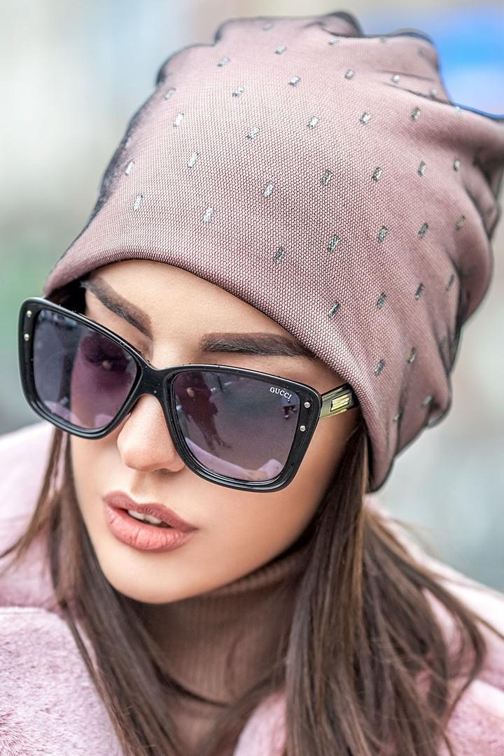 Розовая шапочка бини с сеточкой и россыпью камней
