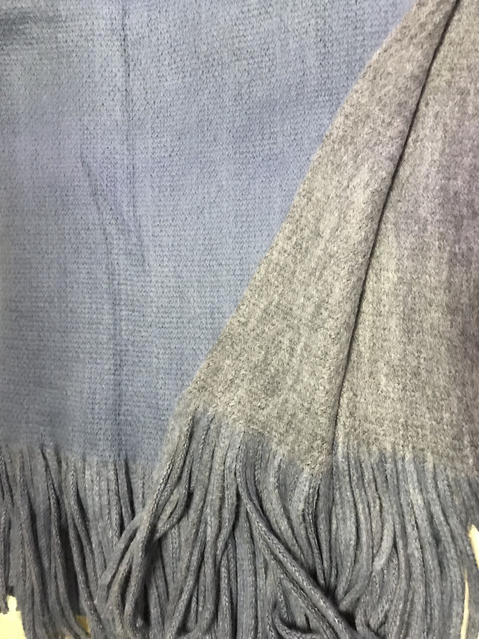 Объёмный двухсторонний очень тёплый шарф серо-голубой с серым