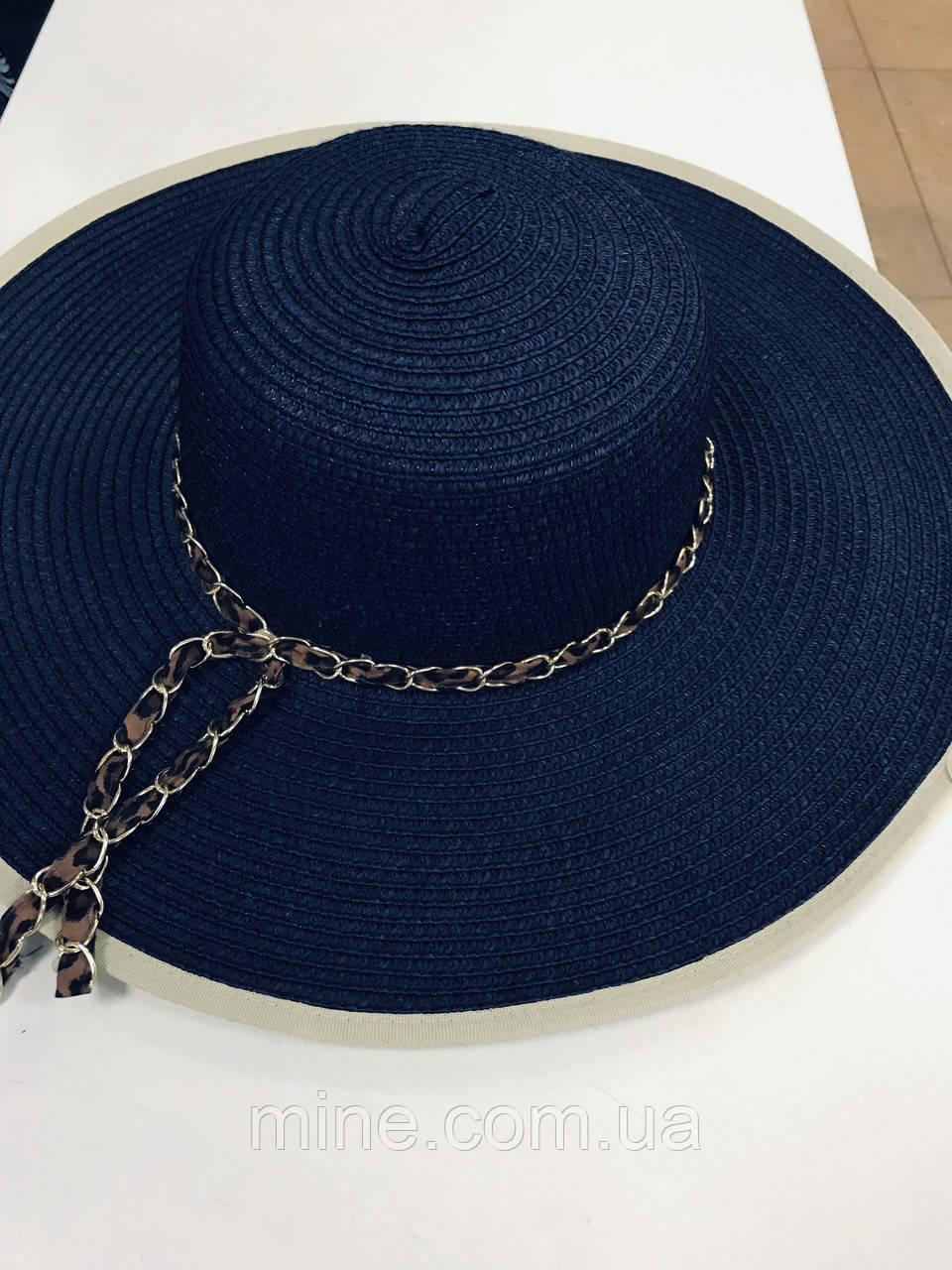 Соломенная женская синяя летняя шляпка с цепочкой