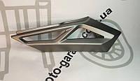 Декоративная накладка бокового пластика GEON Pantera 200 правая