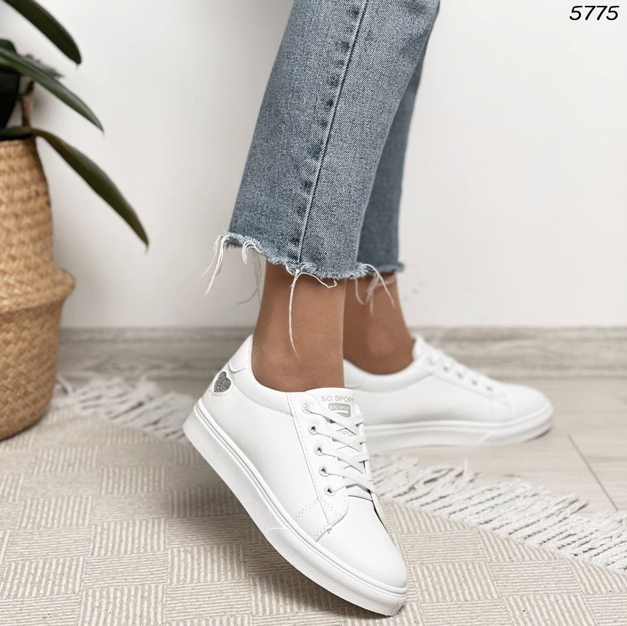 Женские кроссовки белые 5775
