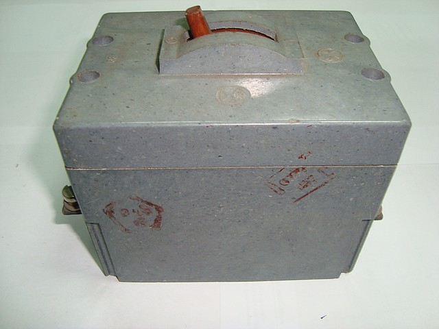 Автоматический выключатель АК 63-3МГ 10А