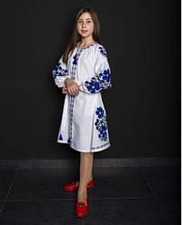 Вишите плаття для дівчинки Квіти Праги, домотканное бавовняне полотно, р 134,140,146,152 біла з синім