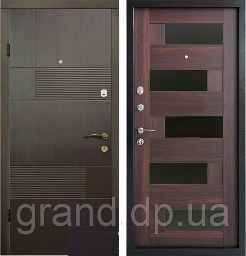 Двери металлические входные квартирные Магда 121/3 венге темный /606 орех моренный темный