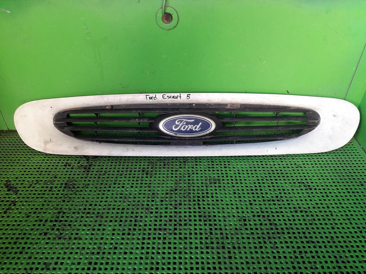 Решітка радіатора для Ford Escort MK5
