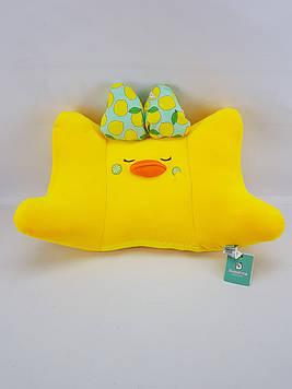 Жёлтая подушка для в Уточка