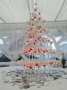 Піраміда з шампанського на 56 келихів