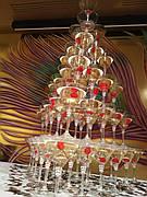 Піраміда з шампанського на 120 келихів